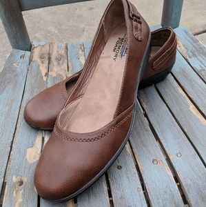 Life Stride Brown Faux Leather Slip Ons Size 10M